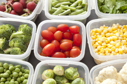 vegetables-in-plastic-containers